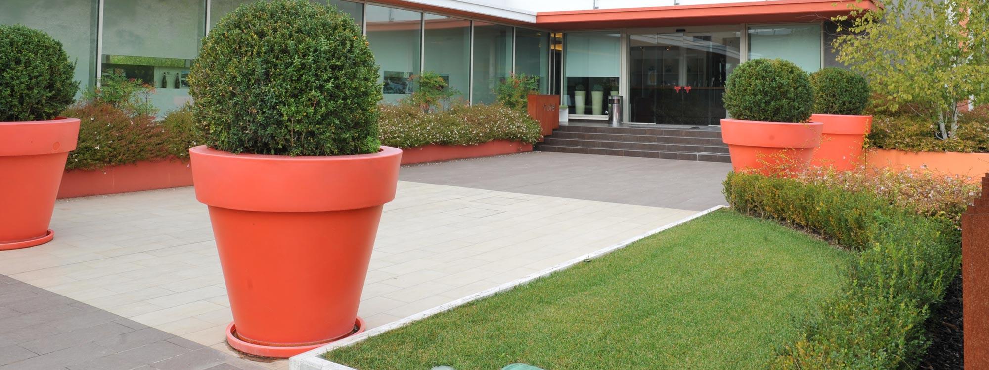 Esterni e giardini arredo bagno materiali edili for Giardini esterni